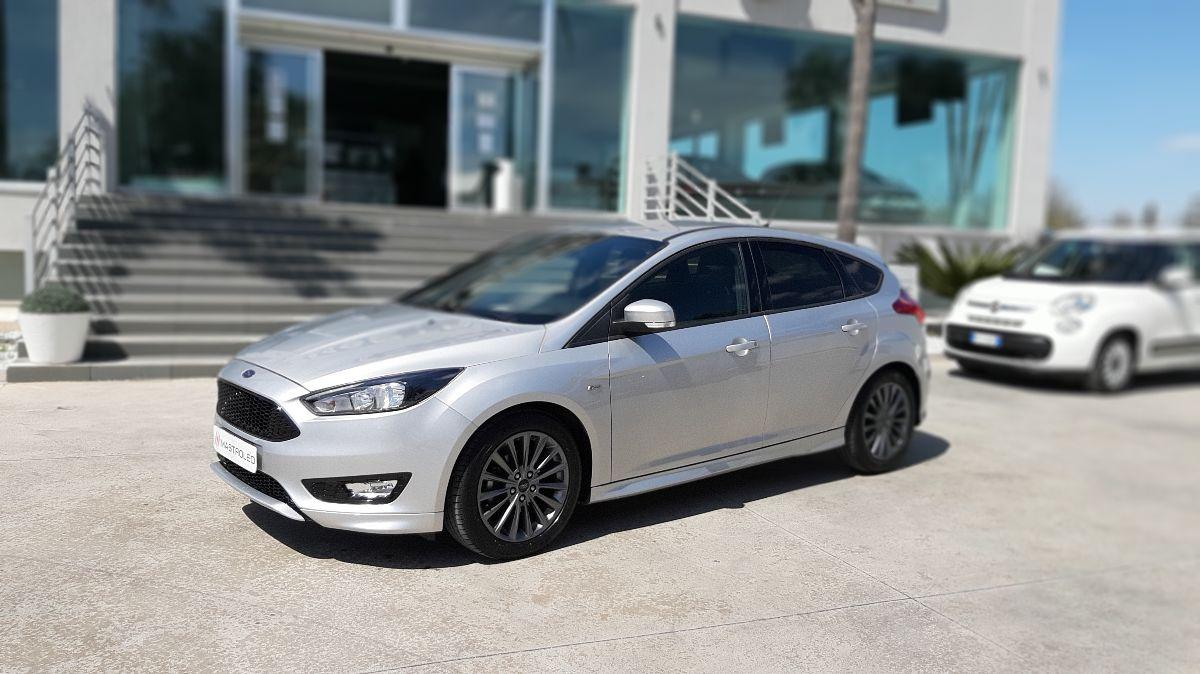 Ford Focus 1.5 Tdci 120 CV S&S ST Line